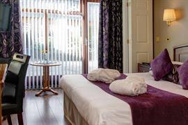 castle-inn-hotel-bedrooms-25-83872