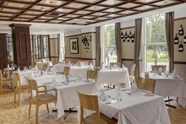 cedar-court-hotel-dining-08-83793