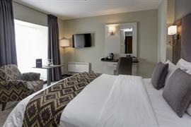 cedar-court-hotel-bedrooms-54-83793