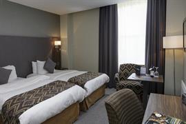 cedar-court-hotel-bedrooms-62-83793