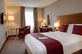cedar-court-hotel-leeds-bradford-bedrooms-22-83949