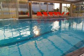 93333_002_Pool