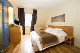 93333_006_Guestroom