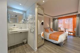 93333_007_Guestroom
