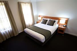 90976_002_Guestroom
