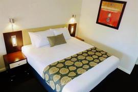 90976_003_Guestroom