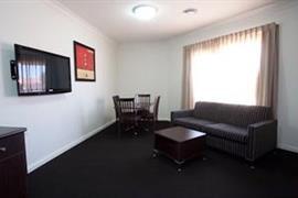 90976_006_Guestroom