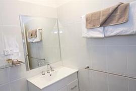 90976_007_Guestroom