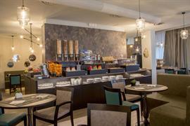 98367_003_Restaurant