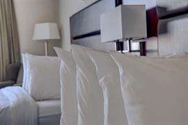 61005_003_Guestroom