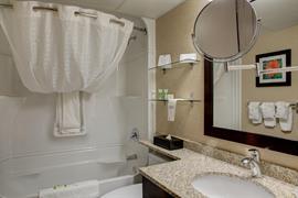 61005_004_Guestroom