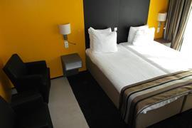 92725_004_Guestroom