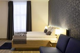 73132_001_Guestroom