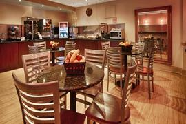 34136_003_Restaurant