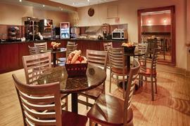 34136_004_Restaurant