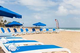 71023_006_Beach