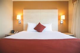 71023_007_Guestroom