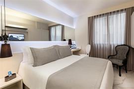 77108_000_Guestroom