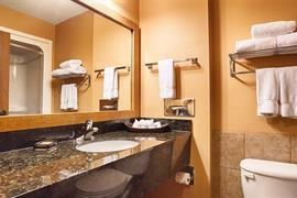 17126_004_Guestroom