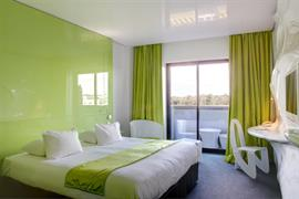 93810_005_Guestroom