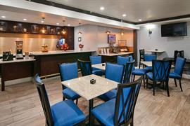 05723_006_Restaurant