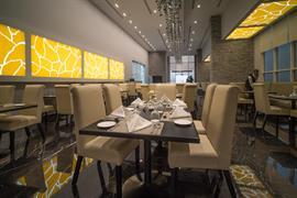 76851_003_Restaurant