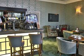 Bar at Dover Marina Hotel & Spa