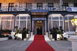 Dover Marina Hotel entrance