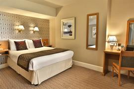dover-marina-hotel-bedrooms-08-83926