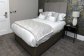 dover-marina-hotel-bedrooms-104-83926