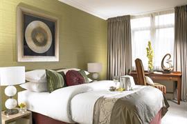 84082_001_Guestroom