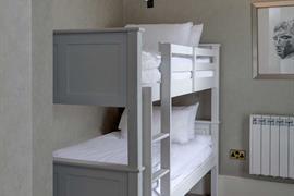bruntsfield-hotel-bedrooms-34-83406-OP