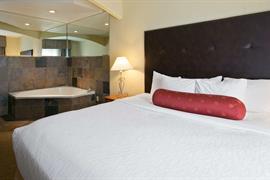 48154_007_Guestroom