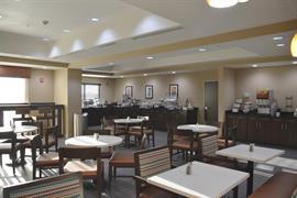 44715_004_Restaurant