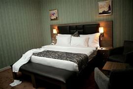 75407_006_Guestroom
