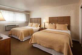 05206_044_Guestroom