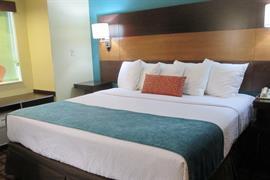 39137_006_Guestroom