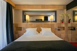 93835_005_Guestroom