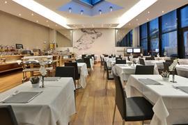98311_002_Restaurant