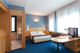 98311_005_Guestroom