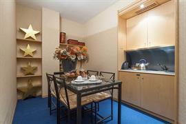 98311_007_Guestroom