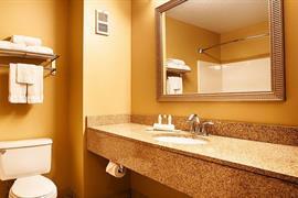 39090_005_Guestroom