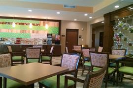 44707_006_Restaurant