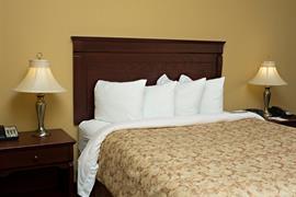 64011_006_Guestroom