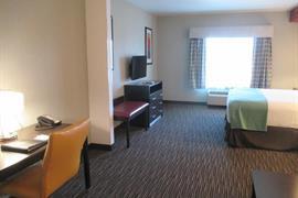 32113_003_Guestroom