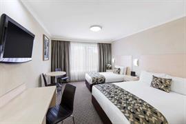 97381_005_Guestroom