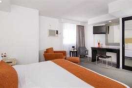 70271_005_Guestroom
