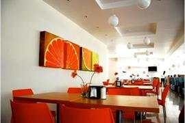70271_006_Restaurant
