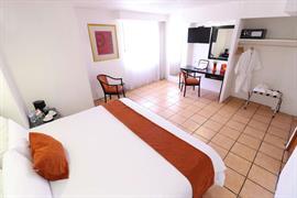 70271_007_Guestroom