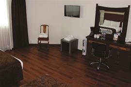 70255_003_Guestroom